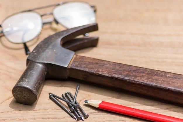 Conjunto de herramientas de carpintero.