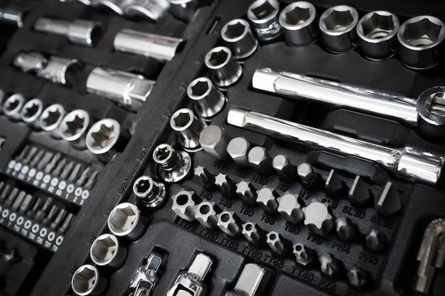 Conjunto de herramientas de llave de cromo vanadio en caja de herramientas negra