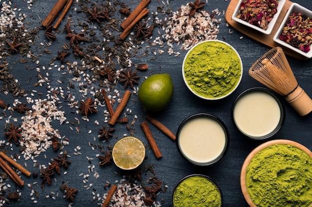 Conjunto de ingredientes de té asiático matcha