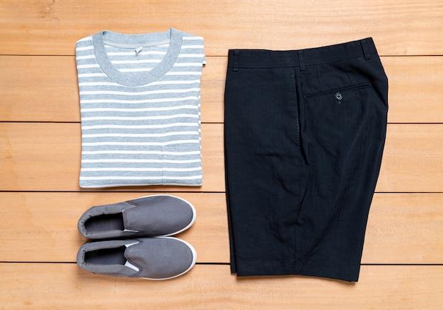 Conjunto de moda y ropa de hombres casuales hermosos