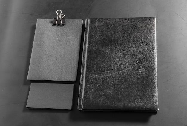 Conjunto de papelería en blanco. plantilla de identidad corporativa