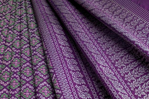 Conjunto de patrones textiles de seda tailandesa