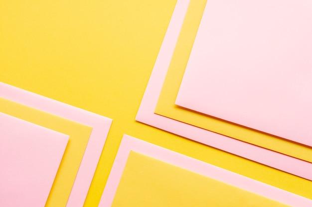 Conjunto rosa de hojas de papel decoradas