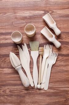 Conjunto de utensilios de cocina de madera, vista superior