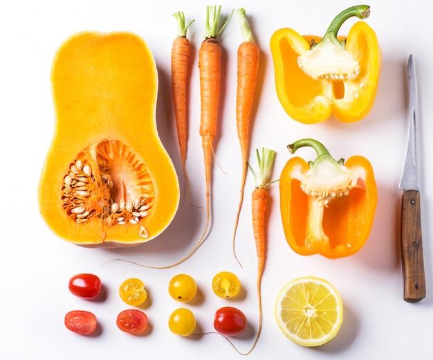Conjunto de vegetales rojos, naranjas y amarillos