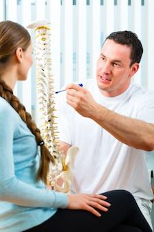 Consejo - paciente en fisioterapia