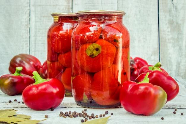 Conservación de la pimienta. enfoque selectivo comida de la naturaleza.
