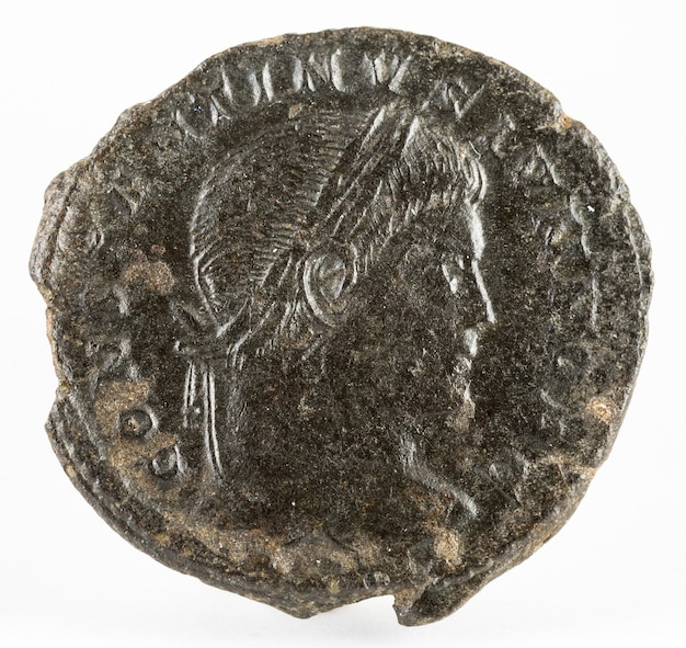 Constantino ii. moneda romana.