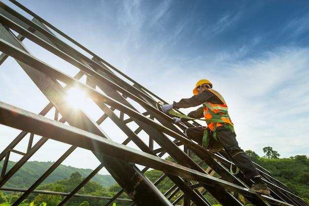Construcción del cuerpo de seguridad, equipo de trabajo en altura