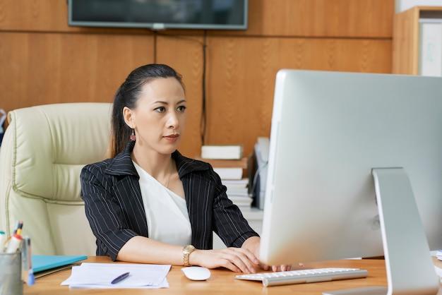 Consultor trabajador social