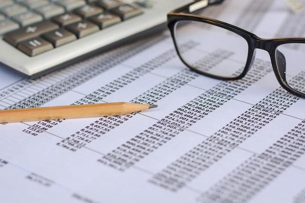 Contabilidad financiera análisis de gráficos del mercado de valores.