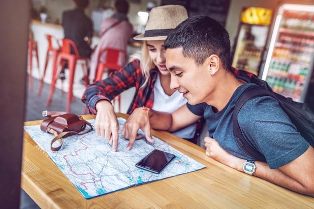 Contenido par con ruta de planificación del mapa