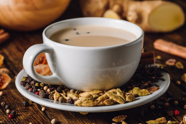 Copa blanca de masala chai