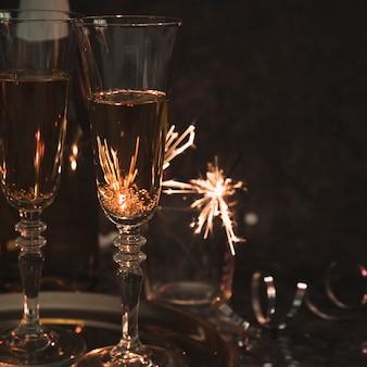 Copas de champán fiesta de primer plano
