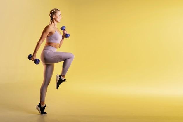 Copia espacio de entrenamiento con pesas