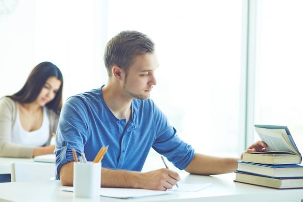 Copiando en un examen