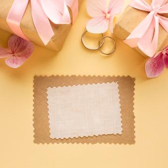 Copie el concepto de boda de carta de invitación de espacio