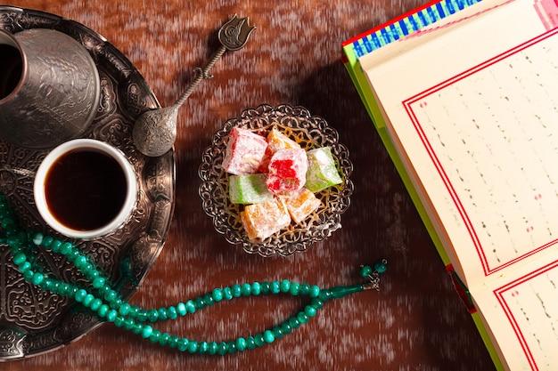 Corán, té y delicias turcas