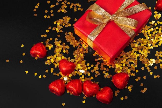 Corazón de caramelos de chocolate