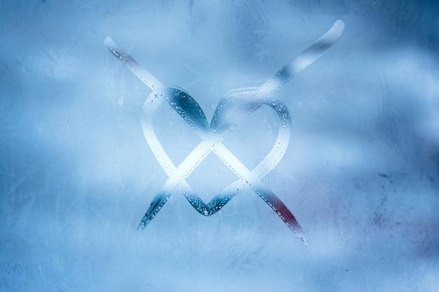 Corazón, cruzado, manuscrito, símbolo