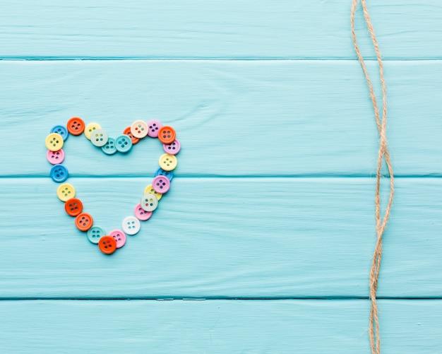 Corazón hecho de botones para el día de san valentín