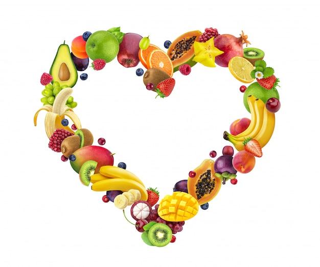 Corazón hecho de frutas y bayas
