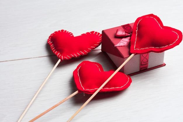 Corazón en un palo día de san valentín decoración decoración vacaciones Foto Premium