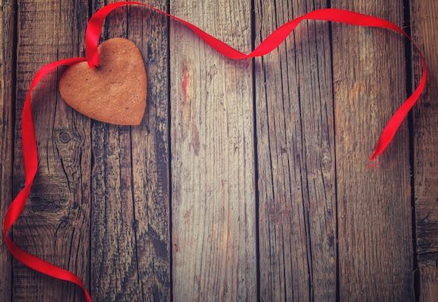 Corazón de pan de jengibre de san valentín