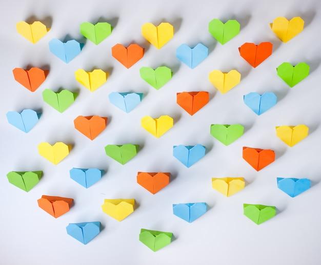 Corazones de papel origami