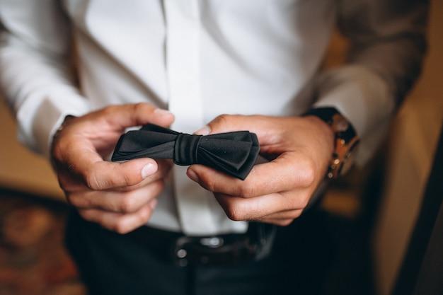 Corbata de lazo de boda del novio