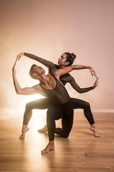 Coreografía de ballet vista frontal.