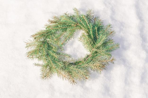 Corona de navidad verde