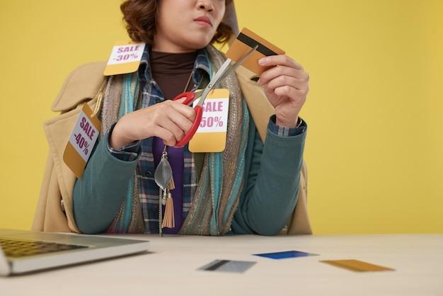 Cortar la tarjeta de crédito
