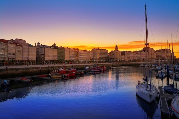 La coruña sunset port marina en galicia españa