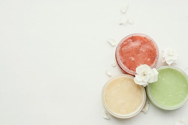 Cosmetología producto natural con flores