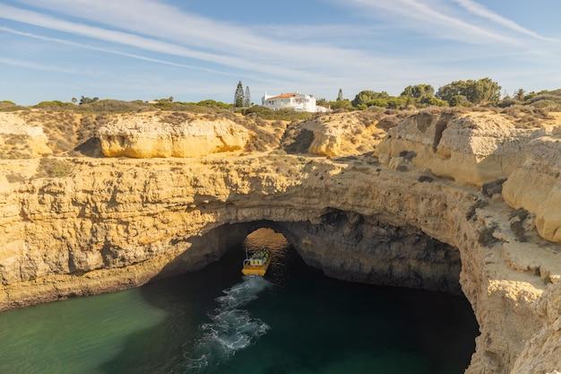Costa del área del algarve en portugal.