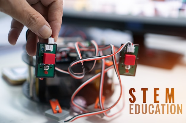 Creación de proyecto de robótica para stem education kit electrónico para placa electrónica de robot