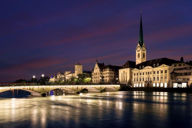 Crepúsculo, cantón de zurich, suiza.