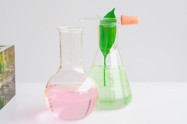Cristalería de laboratorio o tubo de ensayo.