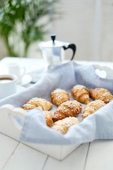 Croissants rellenos de mermelada