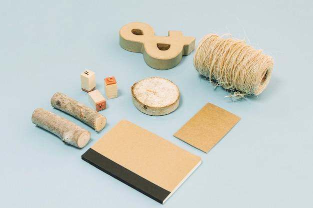 Cuaderno y suministros de artesanía