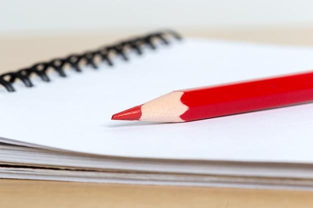 Cuadernos y lapiz