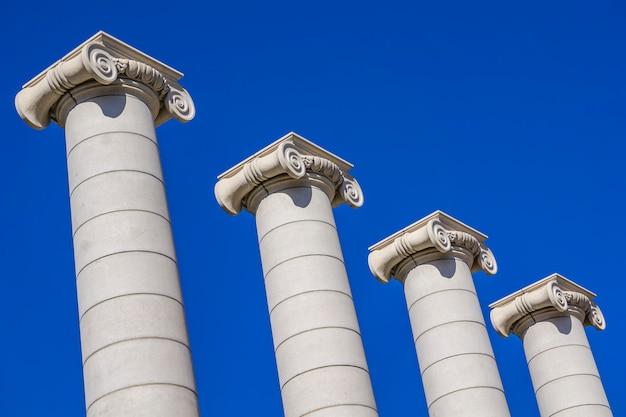Las cuatro columnas en barcelona, españa