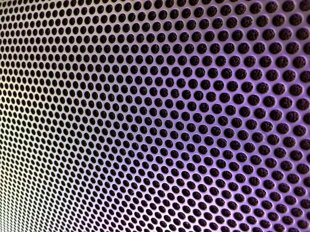 Cubierta metálica perforada del altavoz de audio