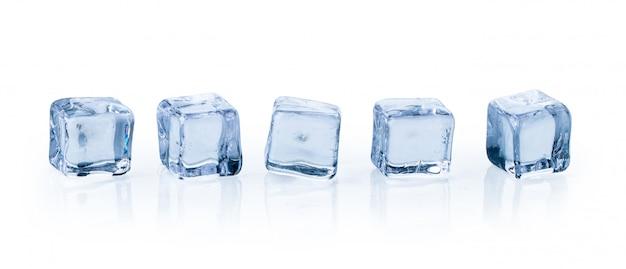 Cubitos de hielo aislados