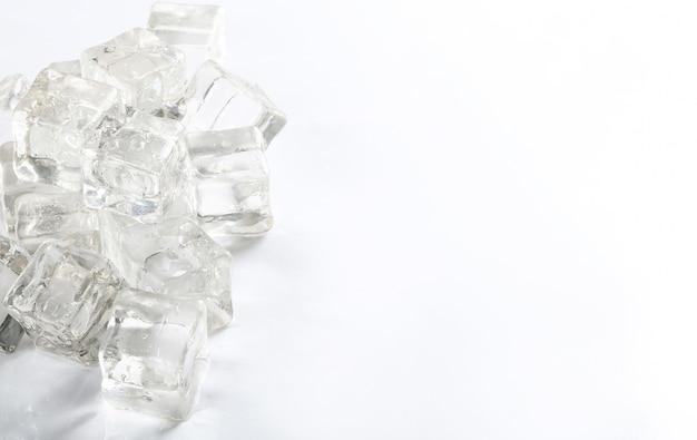 Cubitos de hielo con copyspace