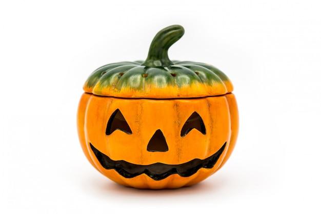 Cubo de halloween jack o lantern rebosante de chocolate colorido