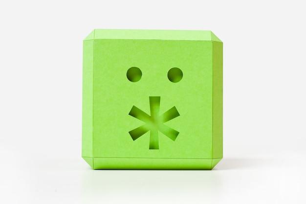Cubo verde con asterisco