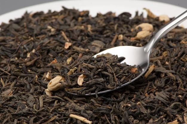 Una cucharada de té verde deja de cerca