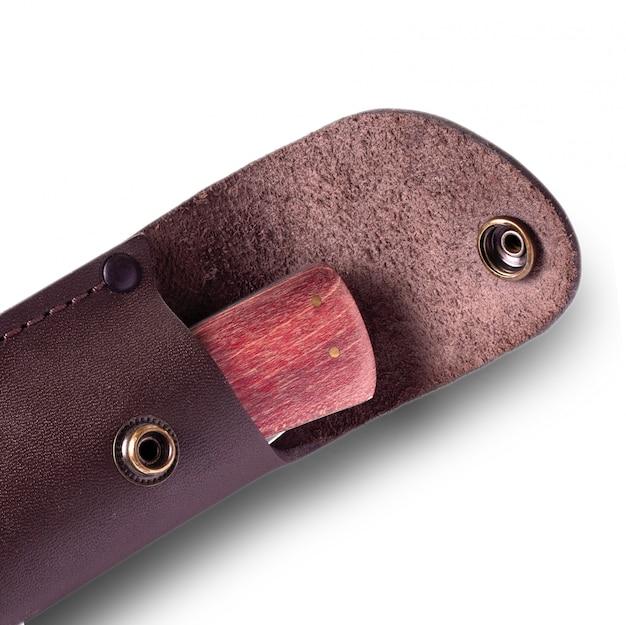 Cuchillo con mango de madera funda de cuero
